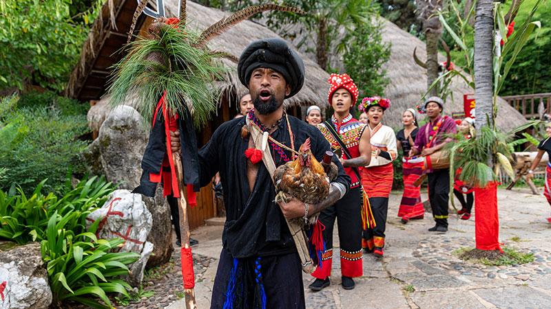 中秋節の連休にワ族の「新米祭り」 雲南省昆明市