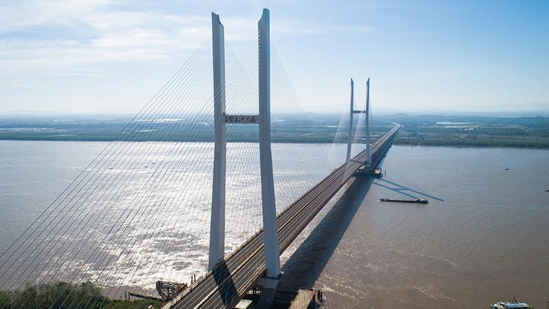 長江に2本の大橋が同日開通 湖北省