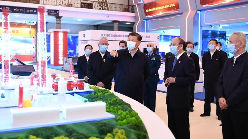 習近平氏、國家「十三五」科學技術革新成果展を參観